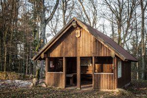 Schutzhütte Hütte in der Ruine