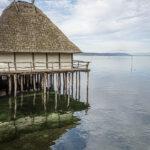 Pfahlbau am Ufer des Bodensee