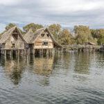 Rekonstruktion einer Siedlung aus der Bronzezeit
